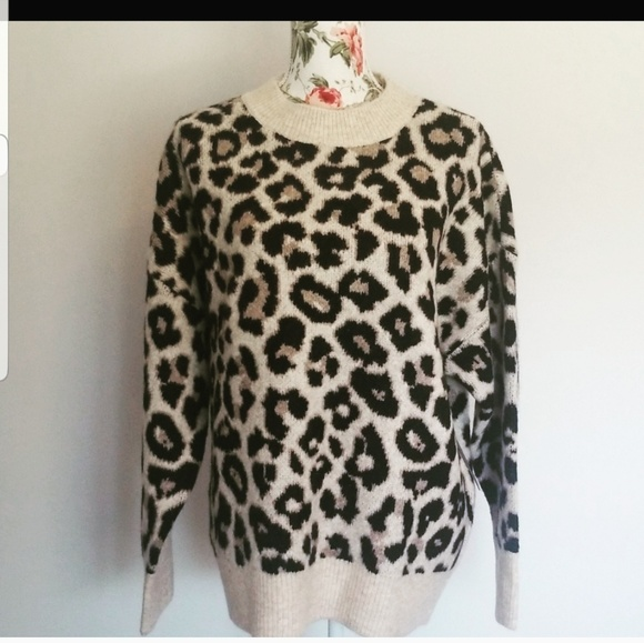 Vince Camuto Sweaters - ❤Just In❤NWT Vince Camuto Sweater
